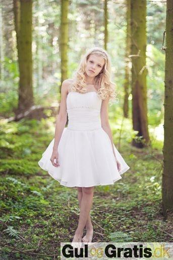 Lucca kjole, model Frederikke Dametøj Konfirmationskjoler, billede 2