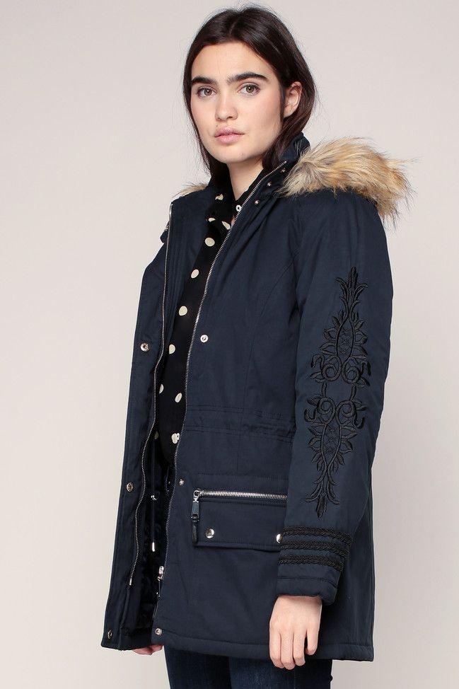 Manteau marine à capuche Bonnie Naf Naf avec col imitation fourrure amovible broderie bras