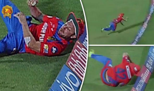 IPL 2017: Brendon McCullum denied STUNNING Chris Gayle catch by his SUN HAT