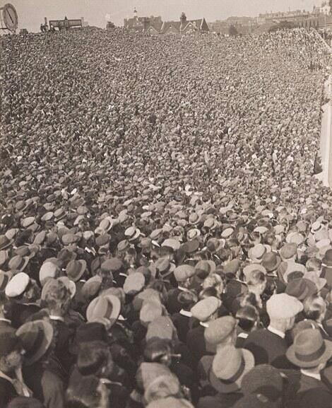 Highbury 23rd August 1933 Arsenal vs Birmingham.