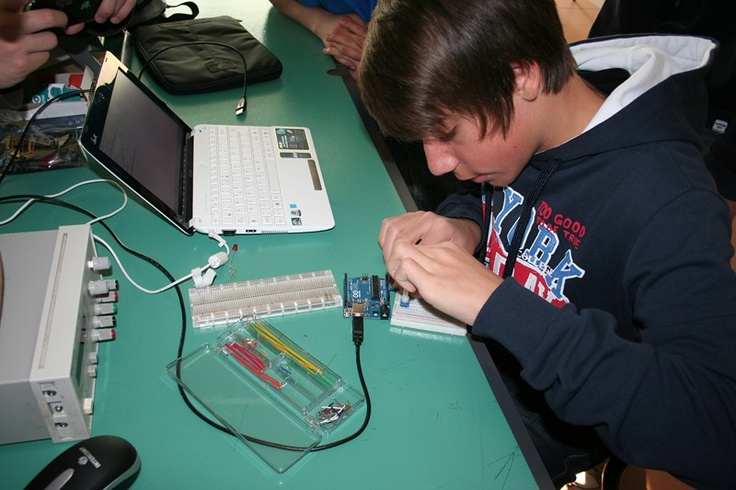 Michele testa Arduino e le porte seriali