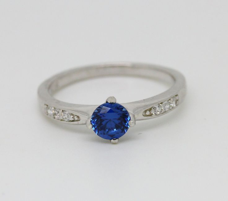 cool Bague - Tendance 2017/2018  : Lab Blue sapphire solitaire ring - available in white gold or sterling silver - ...