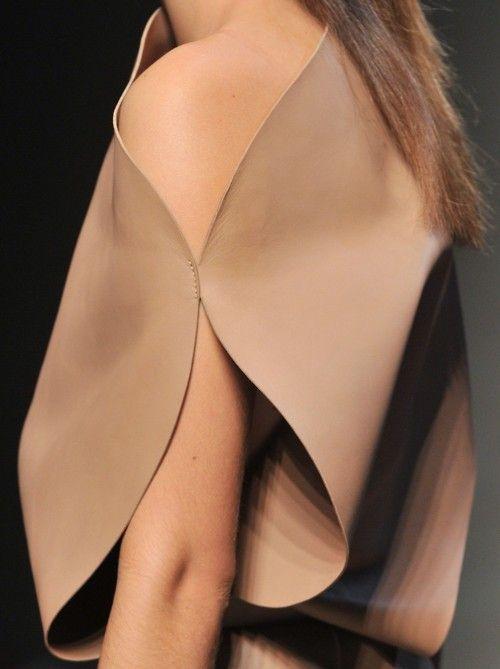 Sleeve detail : Minimal & Classic | Nordhaven Studio