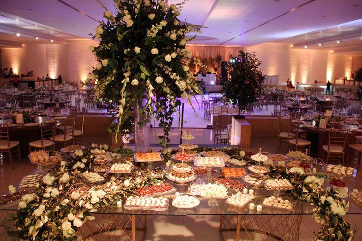 ¡Única y de lo mas natural! Una mesa de postres elegante y colorida, definitivamente se robaba todas las miradas. #Boda #Wedding #WeddingPlanner