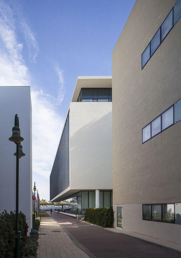 IDC School of Psychology & Economics / Gottesman-Szelcman Architecture