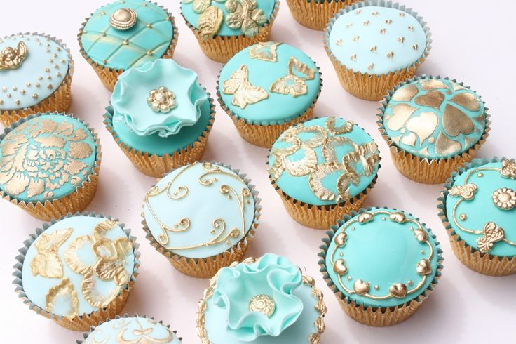 Victorian Cupcakes | Please note: If you wish to publish my photographs anywhere, please ...