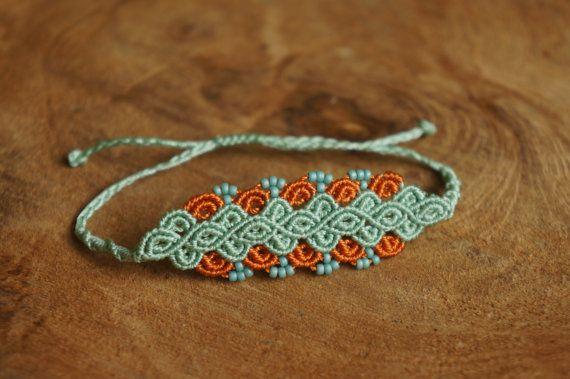 Grün Orange Mikro Makramee Armband mit von MaartsShitHappens