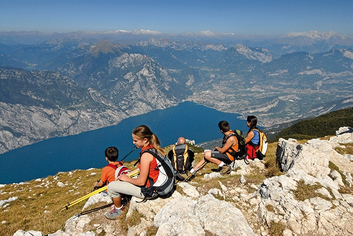 "Monte Baldo Gardasee. ""Wandern und Trekking am Gardasee"" Bild: Ingarda Trentino S.p.A. Keywords: Berge See Tourismus mountains lake landscape tourism"