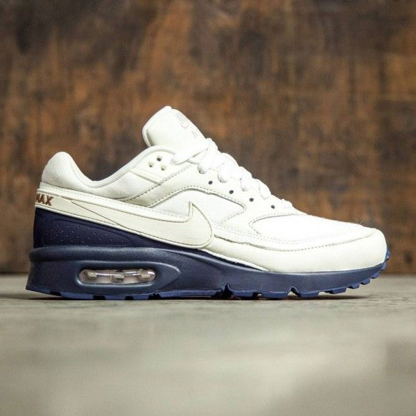 2398b7a0d922 The Nike Air Max BW Premium Men s Shoe sets you up with an iconic Air Max  look and an ultra lightweight feel. Its mesh upper is fused with no-sew  overlays ...