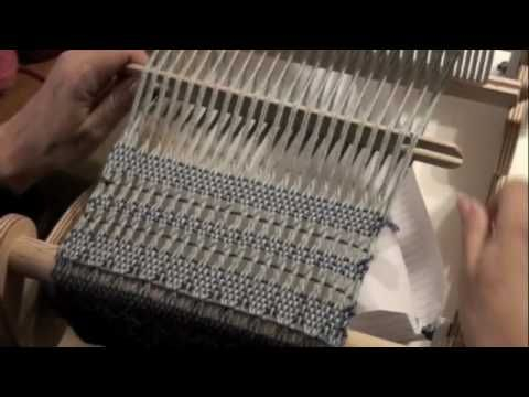 How to do a Leno Lace Pattern on a Rigid Heddle Loom with PattyAnne - YouTube
