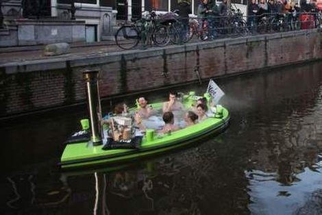 Bezwaar tegen drijvende badkuipen Vaarkrant  Telegraaf.nl
