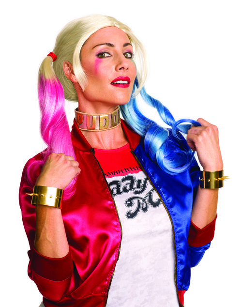 Harley Quinn Jewelry Accessory Set - Go all out with your Harley Quinn costume and impress your Puddin' with this great Harley Quinn jewelry set! The officially licensed jewelry set from the Suicide Squad movie comes with a gold choker.The cuffs are gold in colour and slip over the wrist. Dress you up and take you out, this Harley Quinn jewelry set is the perfect accessory addition to your costume. #YYC #Calgary #costume #HarleyQuinn #Sucide Squad