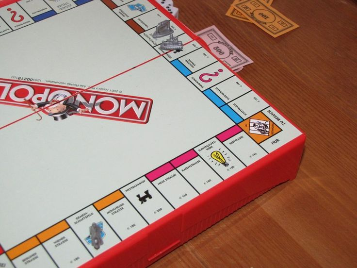 Monopoly funny | Humor funny Monopoly has the power to destroy families in one incredibly-drawn-out game. When it comes to Monopoly, just don't go there. Click to read a hilarious tale of the longest game ever.