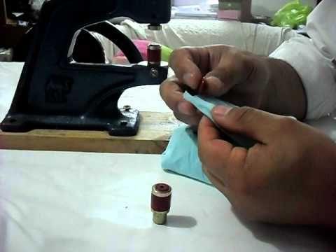 Como colocar Broches plastico t/SNAP con la maquina manual