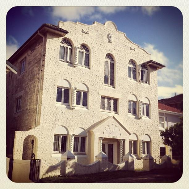 Bondi El Nido Grandeur #bondi #atbondi #iphoneography #sydney #architecture
