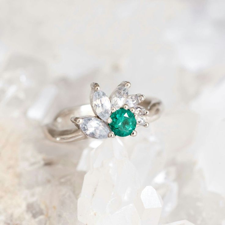 Emerald and white saphires ring - bespoke - by 27JEWELRY