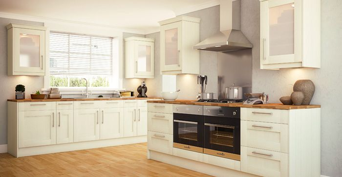 Wren Kitchens - With its lovely warm finish and simple, straightforward Shaker style doors, Owen is a design that lends itself to a traditional country kitchen look and feel.