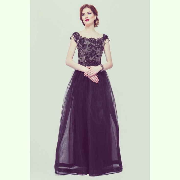 SS 15 A regal black a gown in Elen's atelier