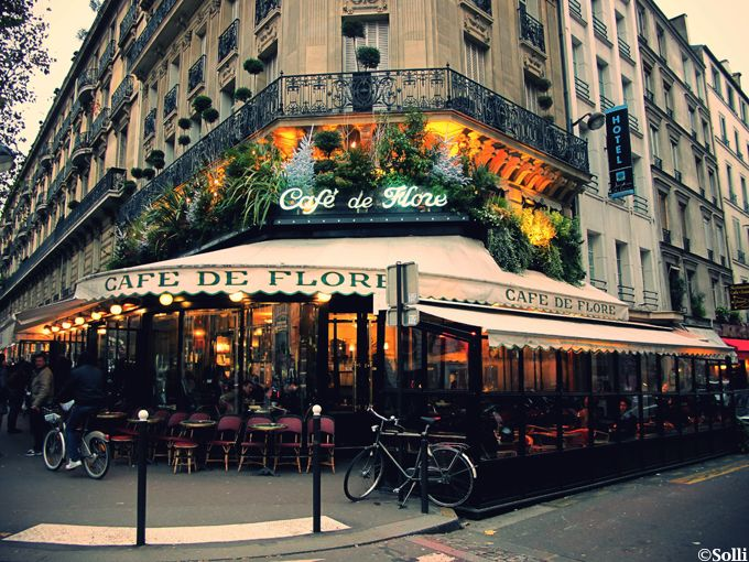 Café de Flore – where Jean-Paul Sartre was a regular in the Second World War! Other famous visitors include Simone de Beauvoir, Pablo Picasso and Karl Lagerfeld.