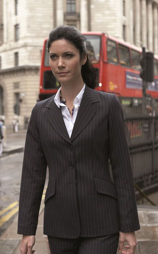 Evolution's J3001 Corporate Belgravia Ladies Jacket is a classically styled single breasted office garment. It's made from a machine washable polyester and wool blend, with added Lycra for ease of movement.
