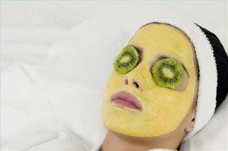 Μια δροσιστική, τονωτική μάσκα με κουρκουμά. Θα σας βοηθήσει να βελτιώσετε την όψη της επιδερμίδας του προσώπου σας, κάνοντας το δέρμα σα...