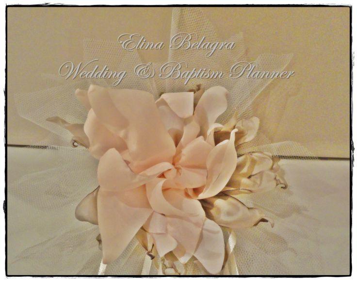 wedding#gifts#pearl##love#gamos#wedding#chicwedding#romantic#wedding#fabric#flowers#romance#vintagewedding#vintage#handmade#weddingplanner#elinabelagra#www.elinabelagra.gr Μπομπονιέρα γάμου πουγκί από ύφασμα, λουλούδια υφασμάτινα