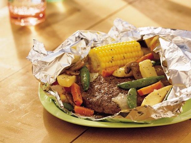Burger and veggie packs (I remember making something very similar at Girl Scout camp!)