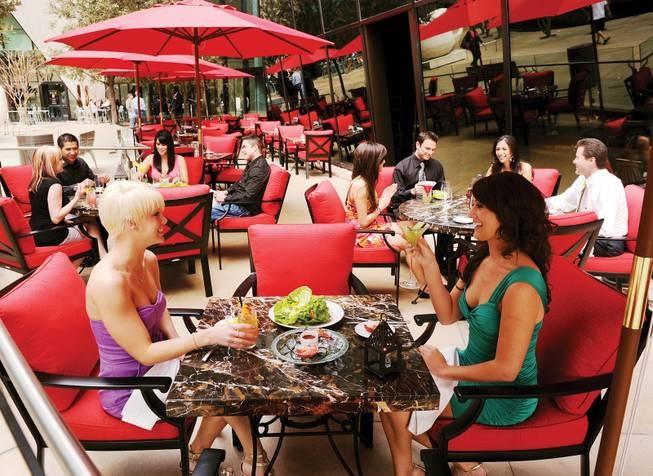 patio-dining