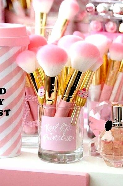 Gorgeous makeup brushes