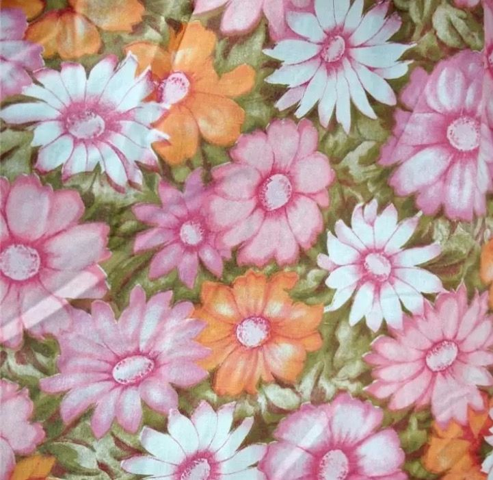 cannon monticello aloha pattern pink colorway vintage linenbed case dresses