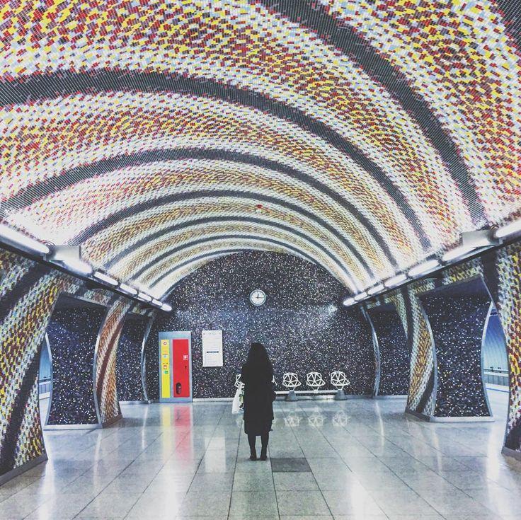 • sliders? • #sliders #budapest #urban #underground #metro #subway #architecture #archilovers #vsco_urban #vscohungary #mik #visualsgang #instadaily #black #woman #magic #thecoolmagazine #livefolk #exploretocreate #vscocam