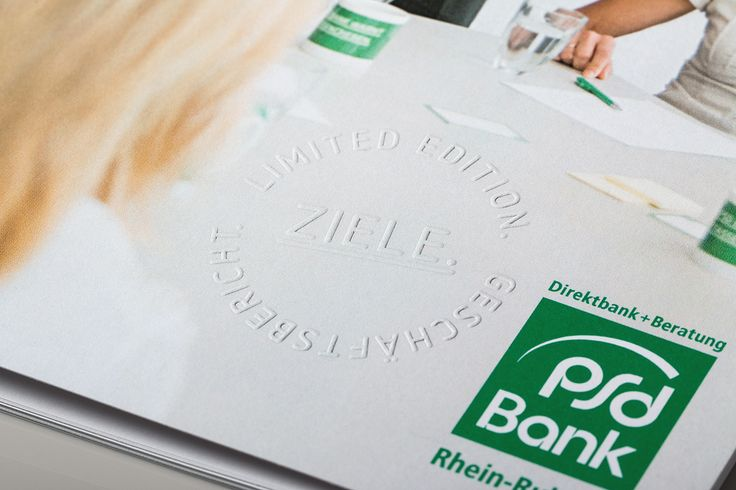 查看此 @Behance 项目: \u201c2015 Annual Report of PSD Bank Rhein-Ruhr eG\u201d https://www.behance.net/gallery/48539545/2015-Annual-Report-of-PSD-Bank-Rhein-Ruhr-eG