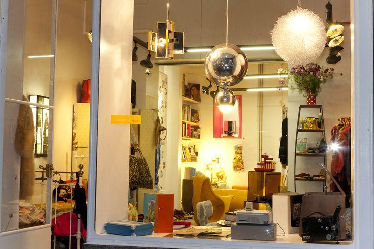 meubles, luminaires, vinyles vintage années '50,'70,'80, collection privée © Solo-Mâtine, photo: Alexey Melnikov