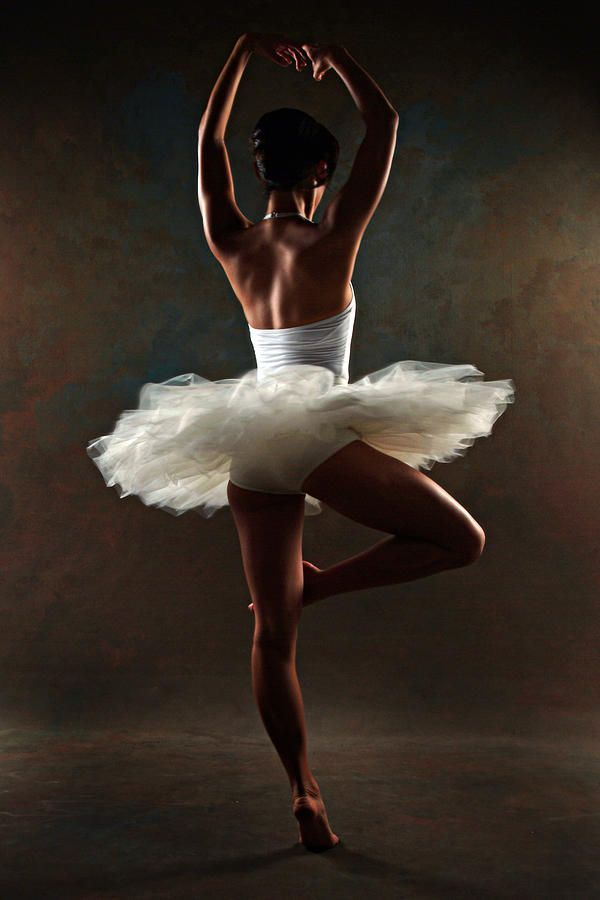 делают откровенные фото балет нажал посильнее