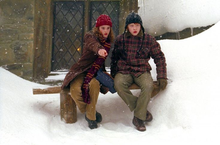 This could well be a fashion spread in the John Lewis Christmas catalogue: in fact, it's Ron Weasley (Rupert Grint) and Hermione Granger (Emma Watson) wrapped up in cosy woollens for a scene in Harry Potter and the Prisoner of Azkaban (2004).