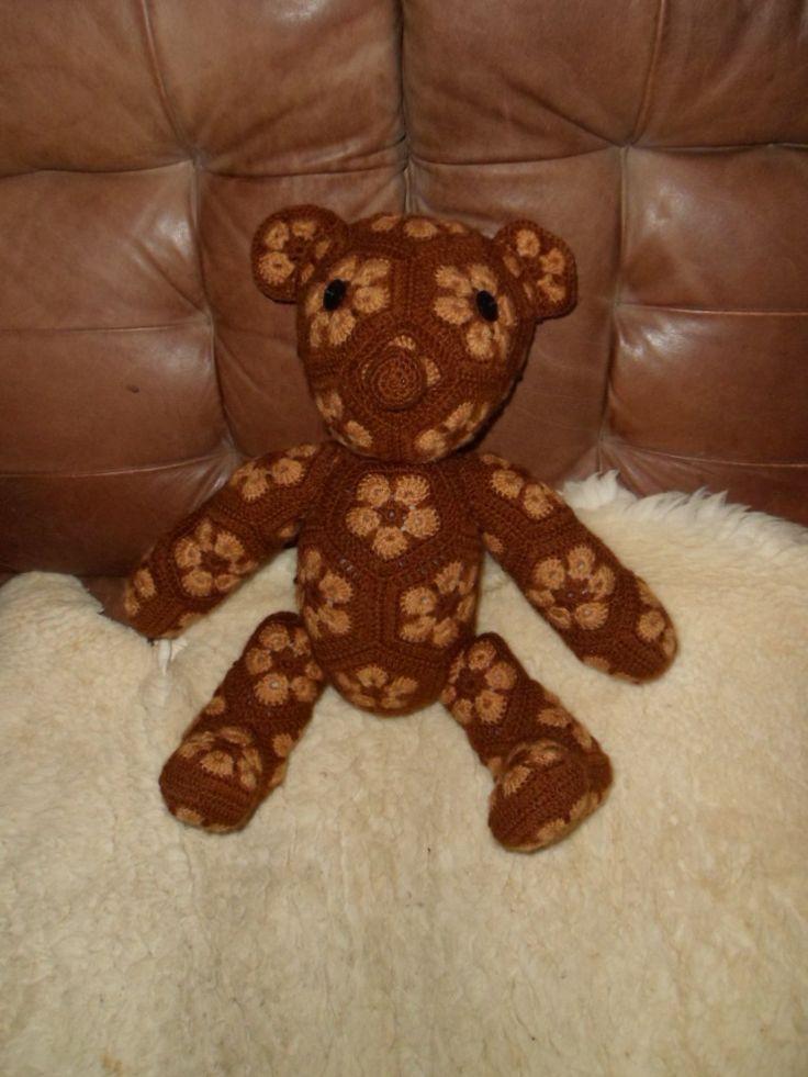 háčkovaný menší medvěd