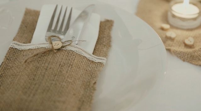 These burlap cutlery holders are a unique addition to a traditional wedding table setting. Not only does this give your cutlery a neat holder, it also goes well with any other table decorations you may have- a handmade treat your guests will definitely appreciate!