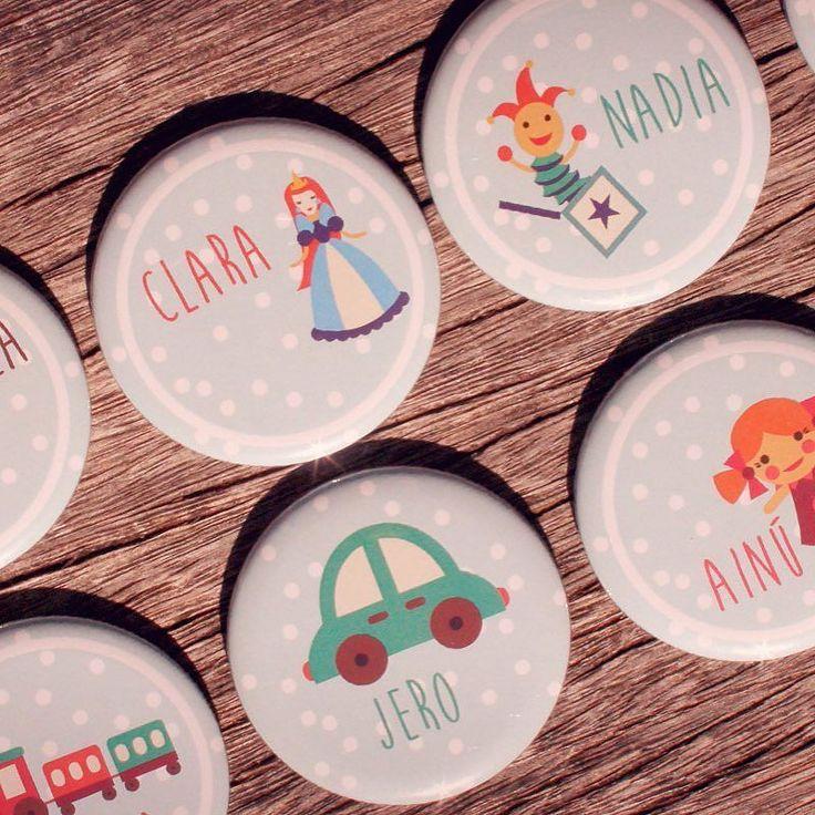 #chapas y más #chapas... www.qustommize.com #chapas #chapaspersonalizadas #custom #pins #badge #badges #spille #buttons #crachas #printing #badges #qustommize