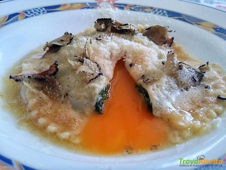 RAVIOLO RICOTTA, SPINACI, TARTUFO E TUORLO FONDENTE  #ricette #food #recipes