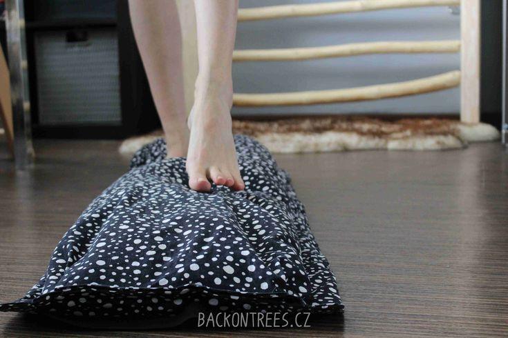 Jednoduchý návod jak přidat domů trochu pohybu a vyrobit si balanční kobereček pro zdravý rozvoj dětské motoriky a smyslu pro rovnováhu.   #barefoot #o dětech #pohyb #rady a tipy #rovnováha #zdraví