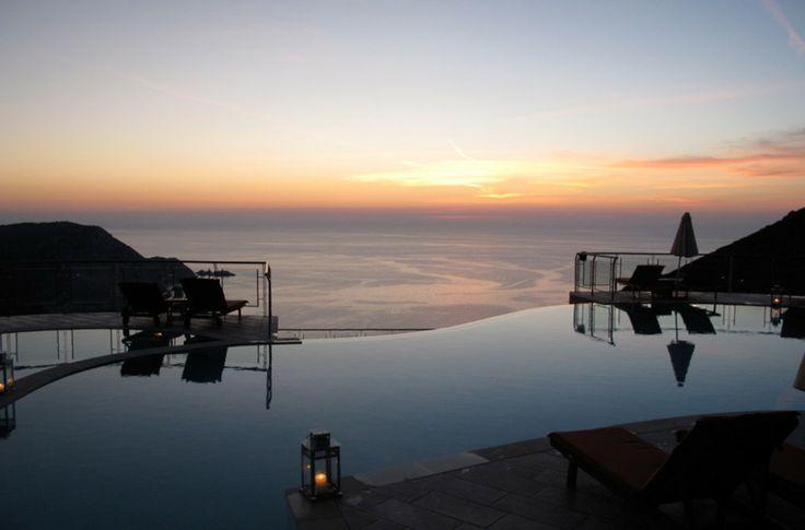 Petani Bay Hotel, Grèce. Hôtel offrant une vue imprenable sur la mer Ionienne en Céphalonie