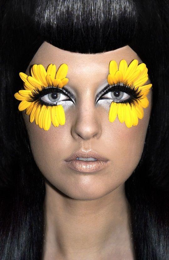 The 25+ best Hippie makeup ideas on Pinterest | Hippy hair styles ...
