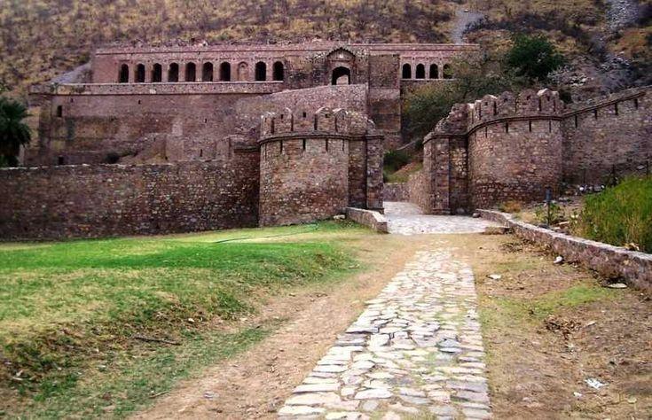 Main palace, Haunted Bhangarh Fort