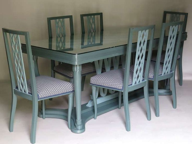 Italian 1940s dining table and six chairs with criss cross motif