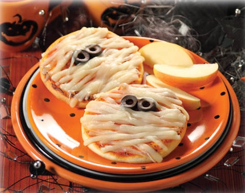Kid's meal on Halloween [ absolutely love this  idea for the kiddos ]