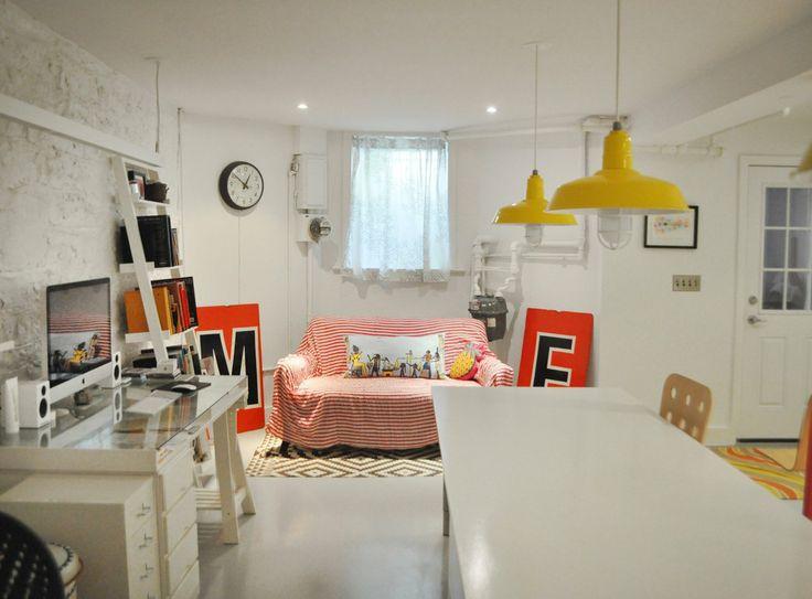 Emma & Mike's Whimsical Home in Brooklyn -Me encantan estas lámparas