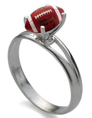 real women love football... found my ring :)