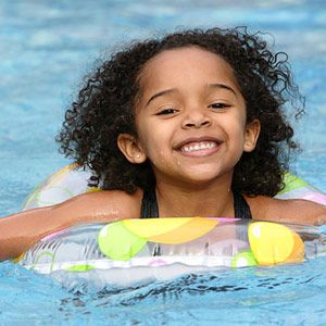 6 Swim-Safety Tips All Parents Should Know: Eyes & Attention (via Parents.com)