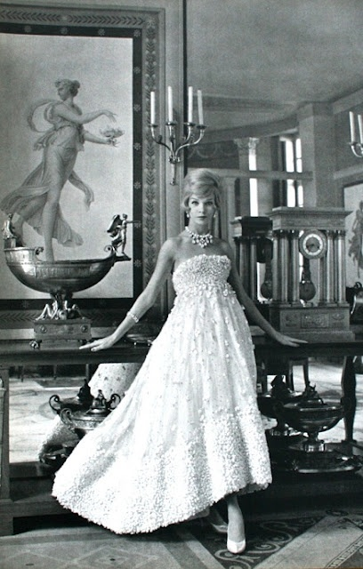 White tulle ball gown by Christian Dior, 1958: Dior 1958, Ball Gowns, 1950S, White Tulle, Vintage Fashion, Christian Dior, 60S Style, 1950 S, Style Fashion