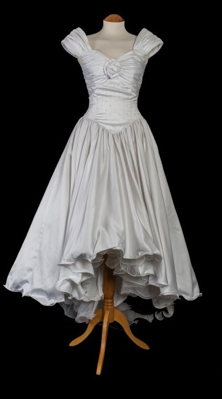 17 best images about vintage wedding dresses 1970 on for Vintage italian wedding dresses
